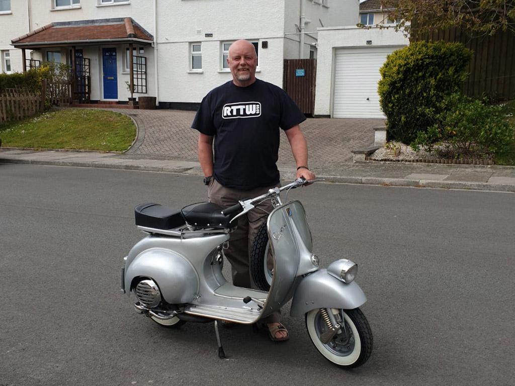 Winner David Grey of a Vespa Super 150 1966 – 'Faro Basso style' - 3rd May