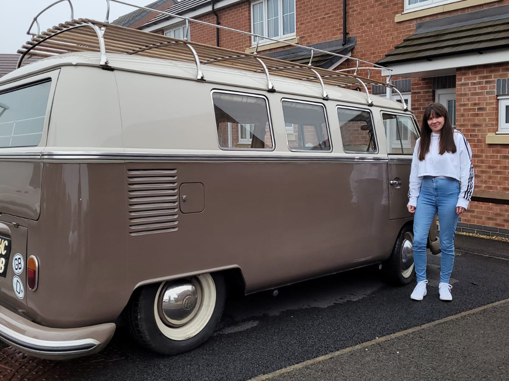 Winner Jemma Hudson of a 1964 VW Splitscreen - Gorgeous classic!
