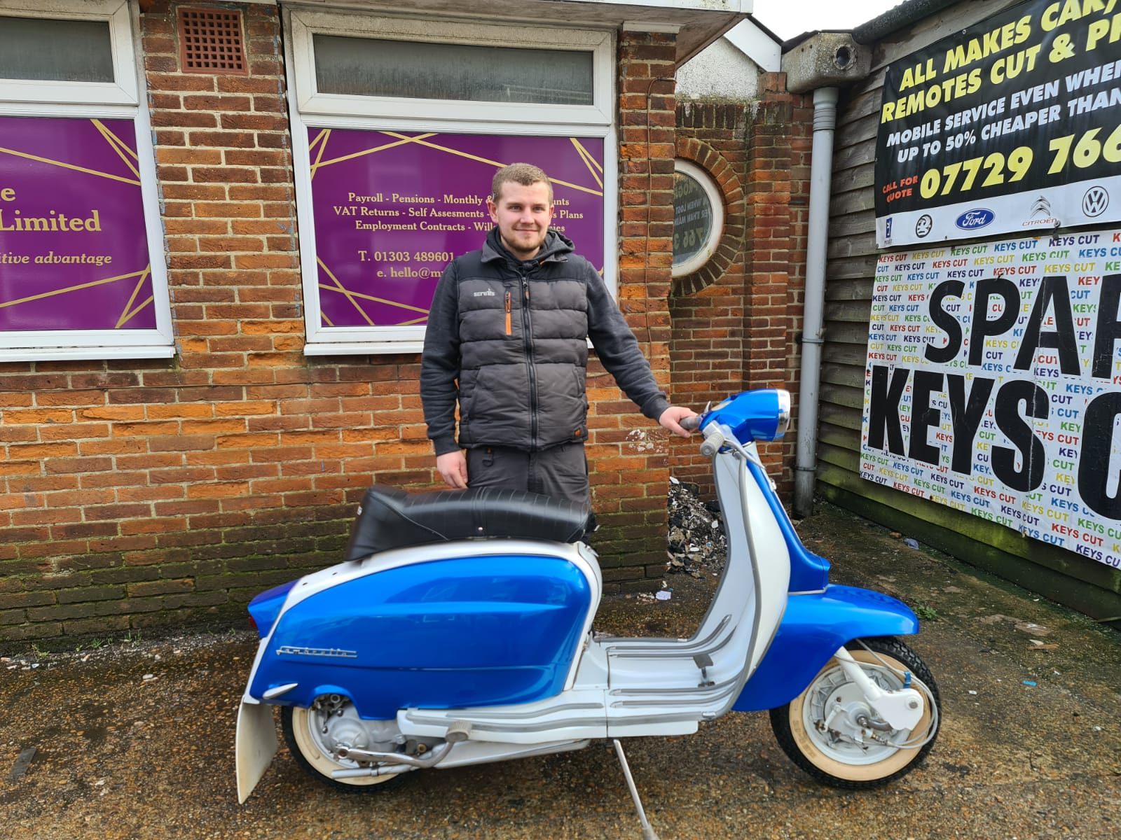 Winner Michael Tatnell of a 1963 Innocent Lambretta LI 150