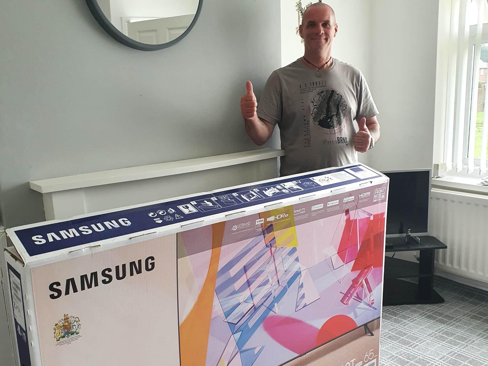 Winner Ronald Findlay of a Samsung 65