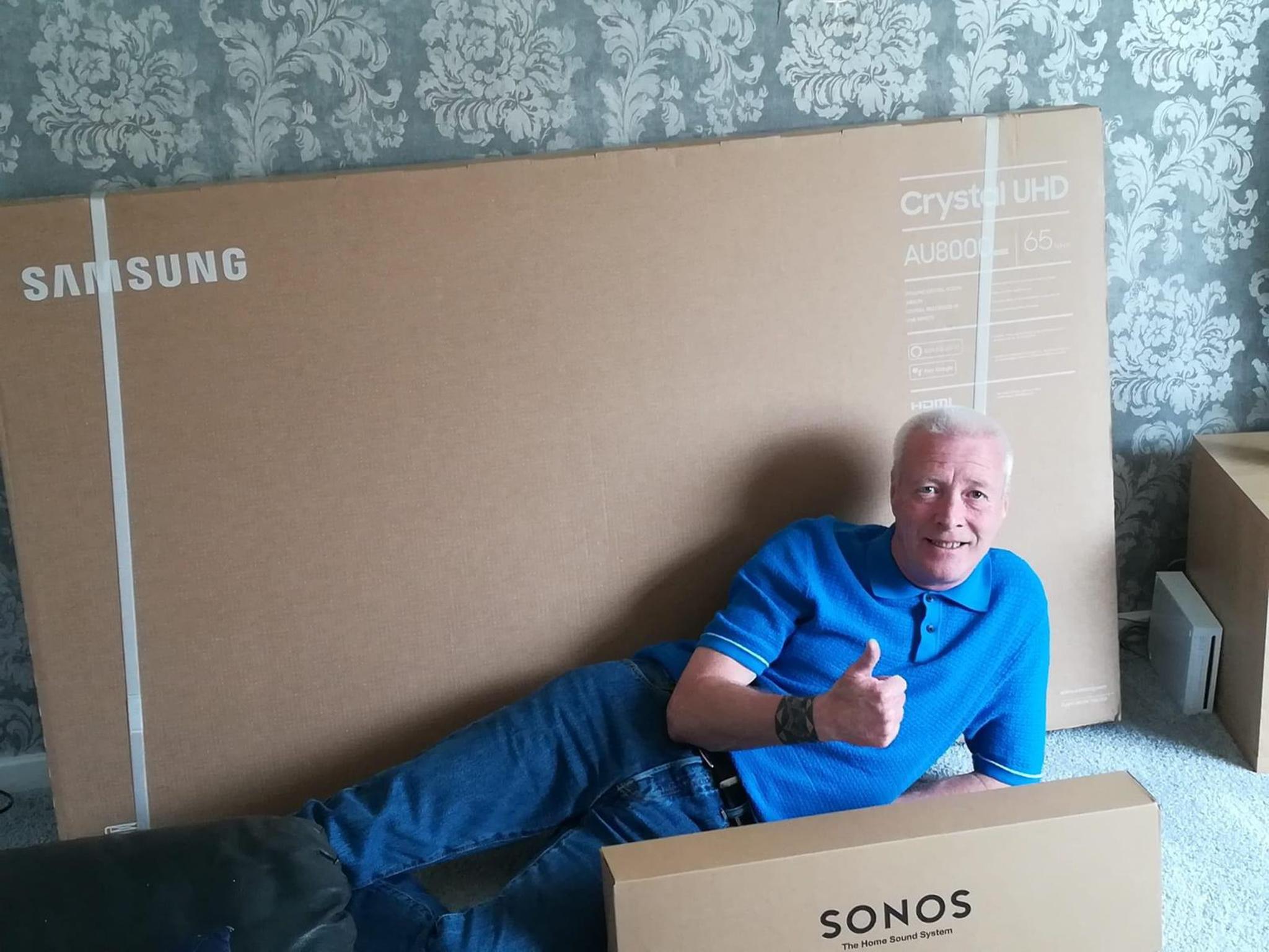 Winner William Spence of a Samsung 65