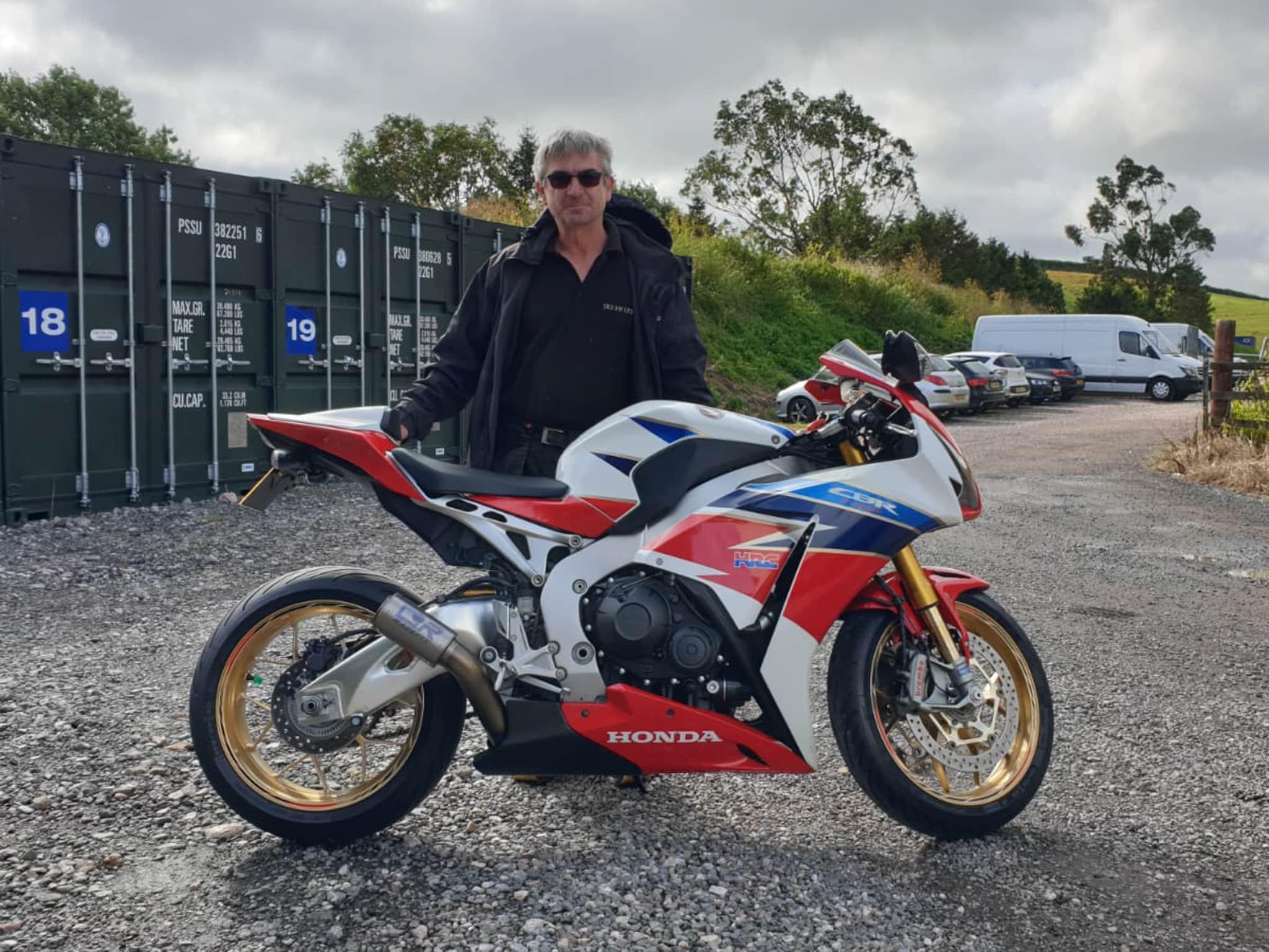 Winner Sean Kyte of a 2016 HONDA CBR1000rr SP HRC Tri Colour - 26th July