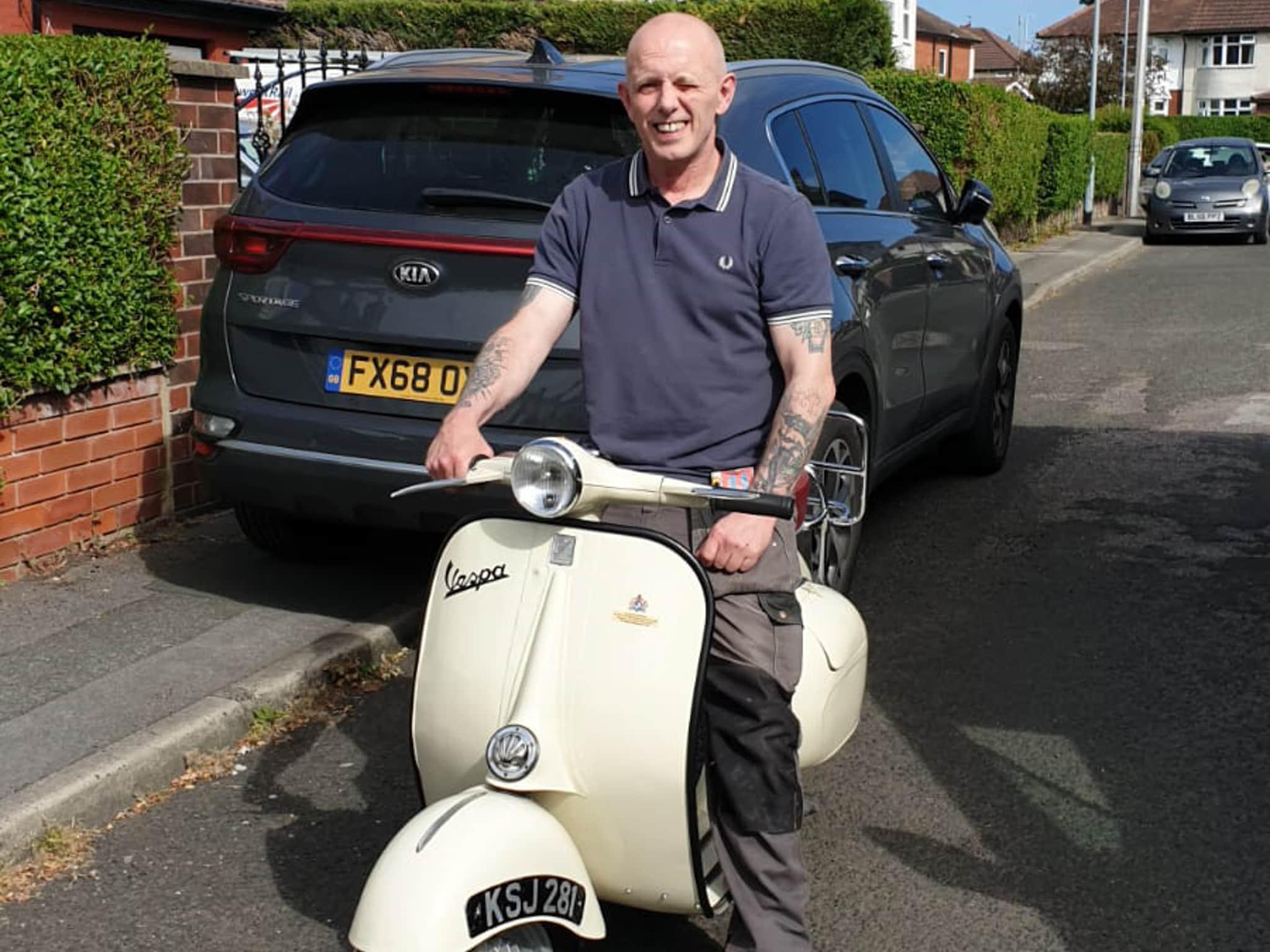 Winner Trevor Dean of a 1960 Vespa Douglas 152L2 - 14th June
